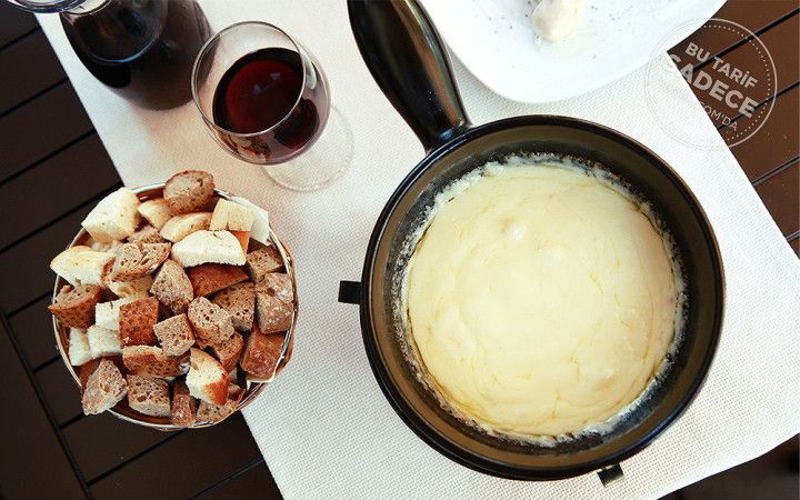 Crepe & Fondue'den Peynir Fondü Tarifi