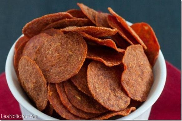 Chips de pepperoni hechos en el microondas - http://www.leanoticias.com/2015/04/17/chips-de-pepperoni-hechos-en-el-microondas/