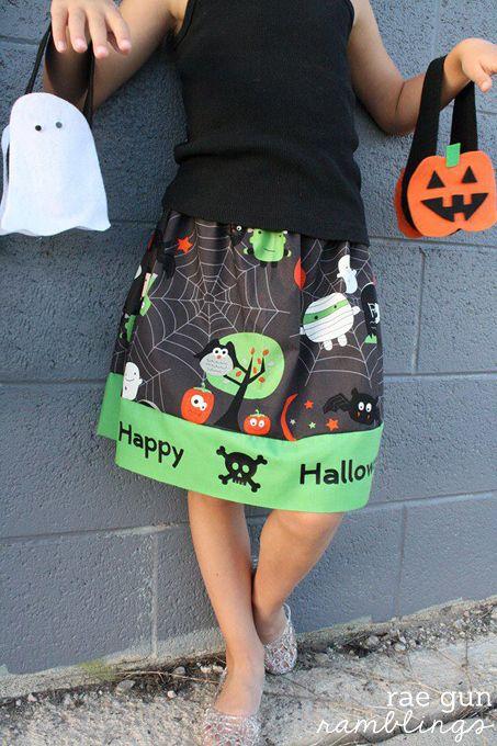 DIY Halloween Skirt Tutorial via @Marissa Fischer | Rae Gun Ramblings