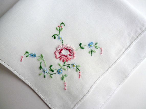 This is a beautiful white vintage hankie, embroidered handkerchief with flowers. Hanky. • measures 26cm x 26cm ADDITIONAL INFORMATION Please