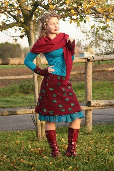 Ein Unterrock- viele Möglichkeiten!  Ein Volantrock, der aus Deinen Kleidern und Röcken etwas Besonderes macht.  Du kannst ihn als Lagen-Look mit Kleidern und Röcken tragen oder mit einer...