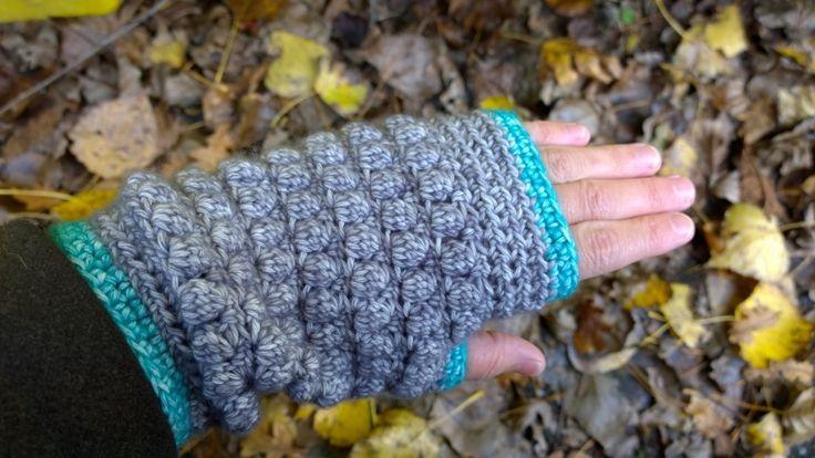 vingerloze gehaakte handschoen