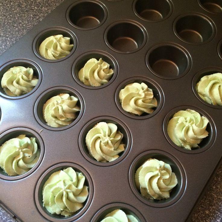 Ett litet tips på vad man kan göra om man får lite mousse över från en tårtfyllning eller dessert ligger nu på bloggen.