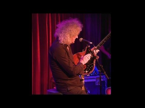 Brian May's Red Special - The Book Launch - Brian's story behind the guitar. Nice video.