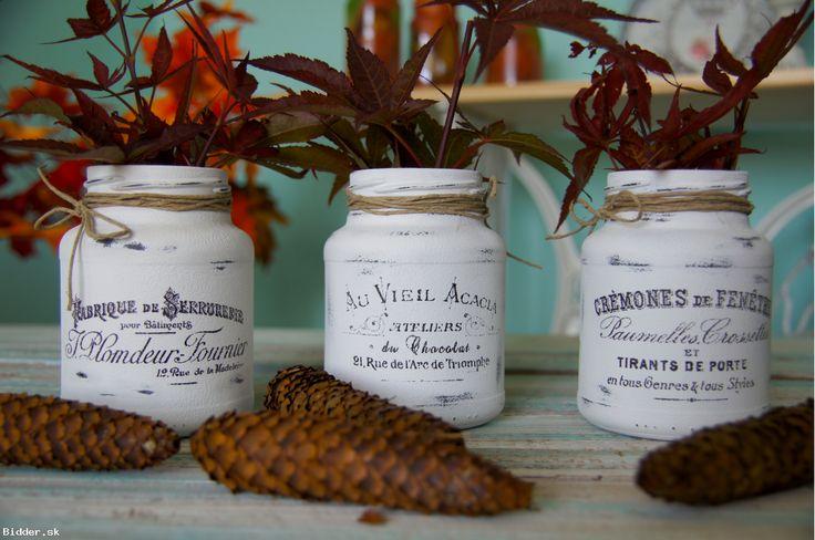 3 biele vintage vázičky