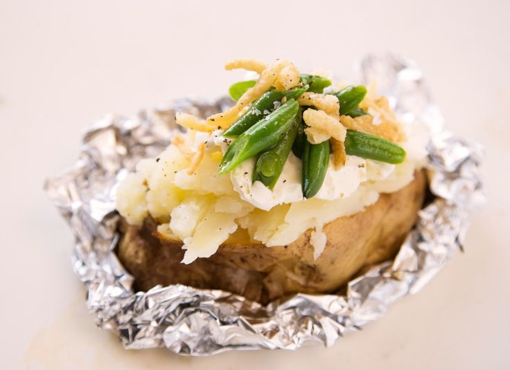 Baked Potato Stuffed with Creamy Green Beans and Crispy Onions