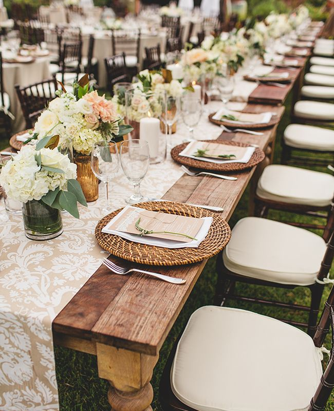 patterned tablecloths | SMS Photography | blog.theknot.com #decoracion #bodas #inspiracion
