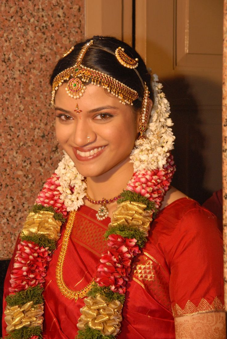 indian wedding hairstyle gallery%0A South indian bridal hair style  Part