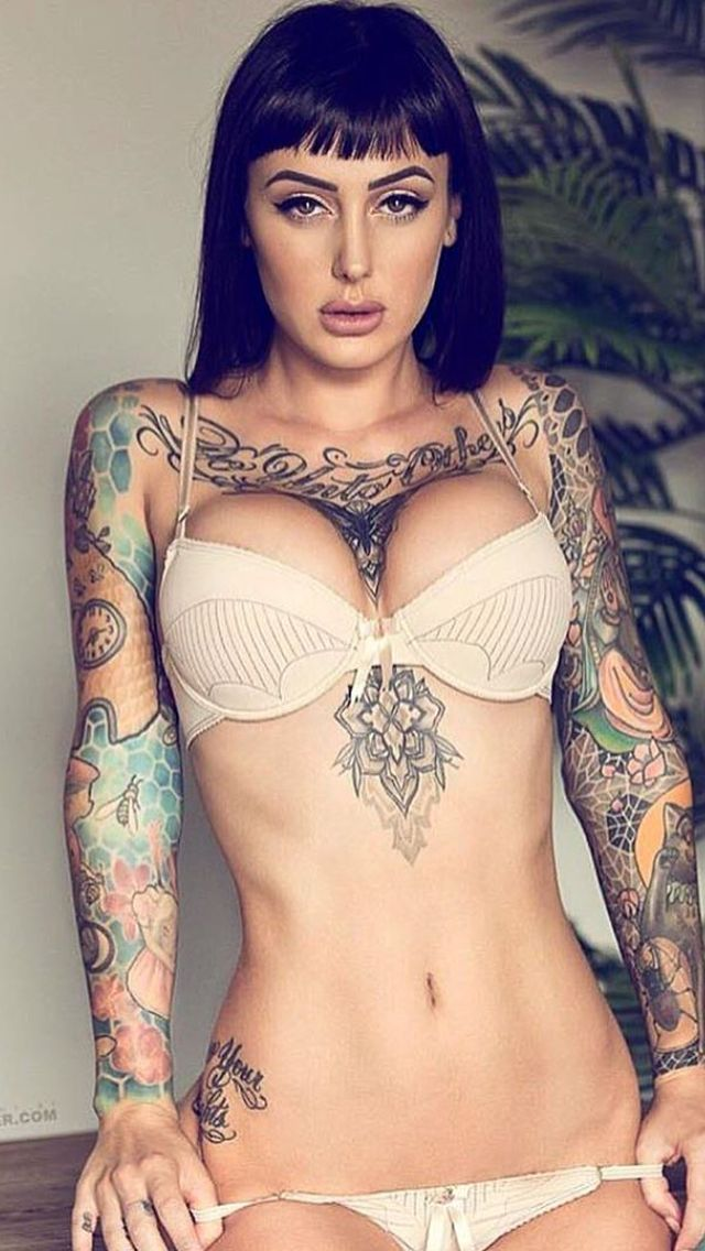 tattoo-model-female-nude