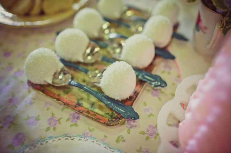 Mary Poppins tea party... a spoon full of sugar.Mary Poppins, Spoons Full, Cake Pop, Parties Ideas, Poppins Teas, Poppins Birthday, Teas Parties, Poppins Parties, Sugar Cake