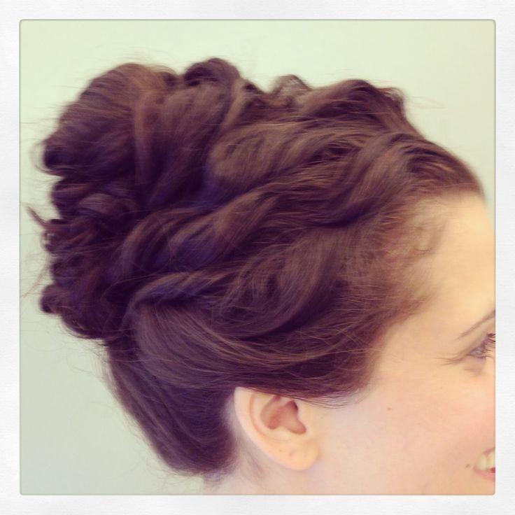 Raked curls top knot #bridesmaid #hair #updo