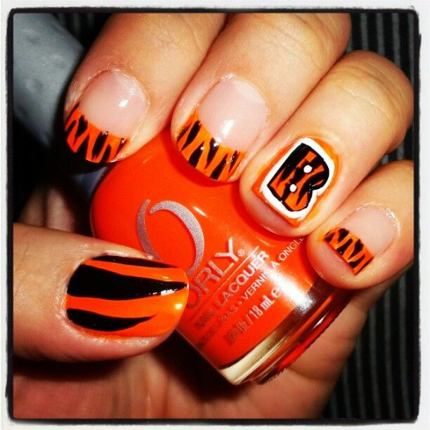 """""""Representing my boys! #cincinnati #bengals #bengalsfan #bengalsnation #whodeynation #nailsdid #nailswag #orly #orangeandblack #whodey #nfl #wildcard #playoffs #afcnorth"""" Photo taken by @elaineqxoxo on Instagram, pinned via the InstaPin iOS App! http://www.instapinapp.com (12/23/2012)"""