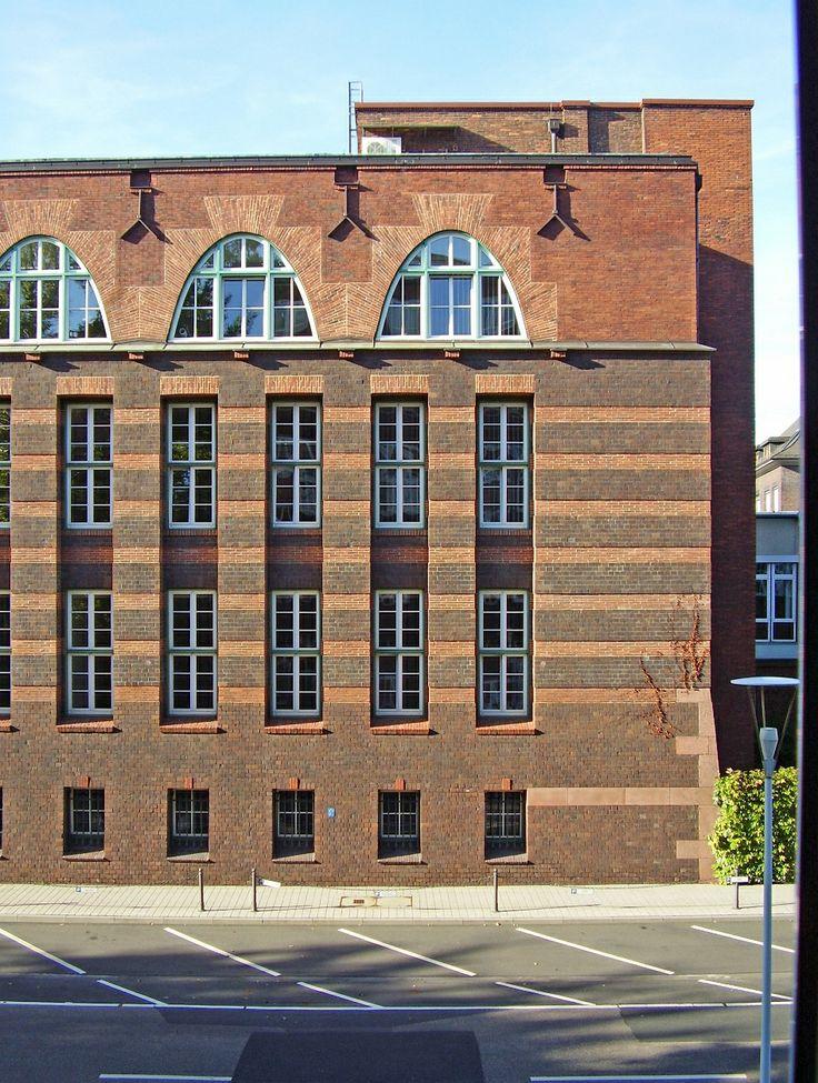 Peter Behrens - Industriepark Höchst, Behrensbau, Fassade Nord Ost
