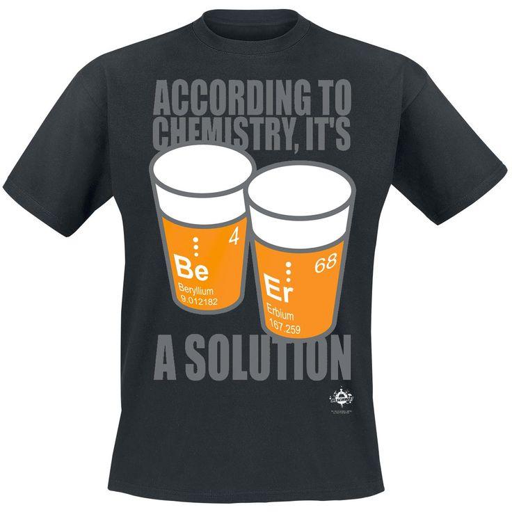 """- print op de voorkant - normale pasvorm - ronde halslijn  Chemie is een wetenschap. Bierbrouwen heeft alles met chemische reacties te maken, dus bier is ook wetenschap. Op de voorkant van het zwarte T-shirt """"Beer Solutions"""" van IFLS (I Fucking Love Science) staat een afbeelding van twee glazen bier met de grappige tekst """"According to Chemistry, It's a Solution"""". Het """"Beer Solutions"""" T-shirt heeft een normale pasvorm en een ronde halslijn."""