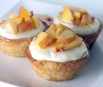 Peaches 'N Crème Cupcakes