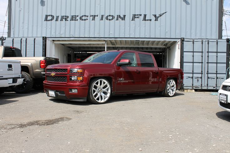 "5""-7"" LOWERED 275/30R24 