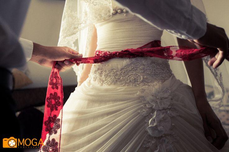 Red belt - Turkish wedding tradition