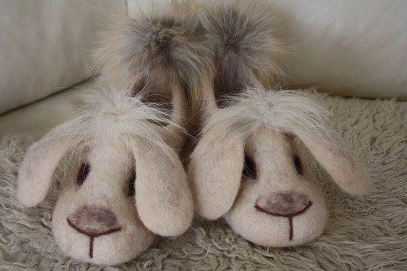 Slippers made ​​of wool.  Slippers made ​​of natural wool - a true gift tired feet. They not only provide warmth and comfort to their owners, but also