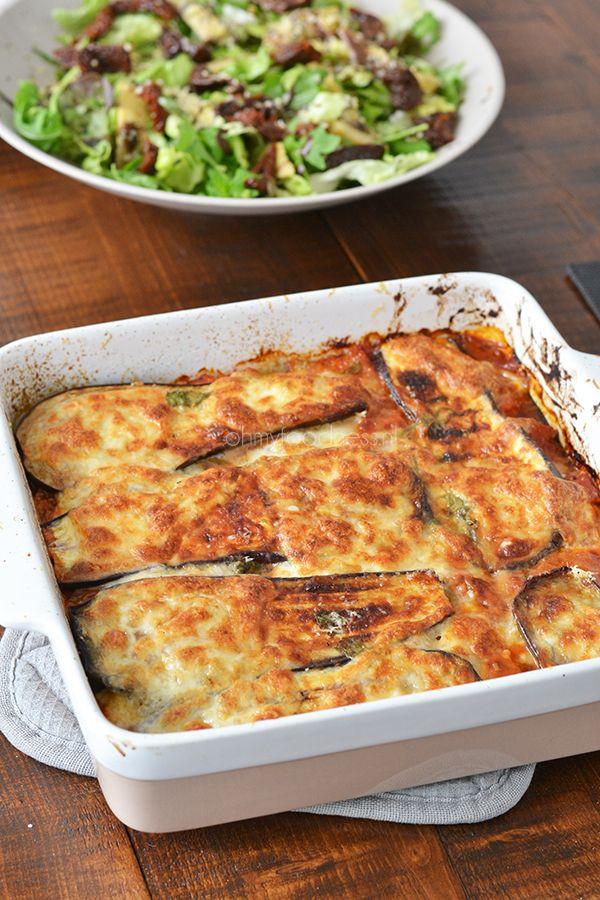 Melanzane alla Parmigiana - OhMyFoodness  Soort van vegetarische lasagne met aubergine