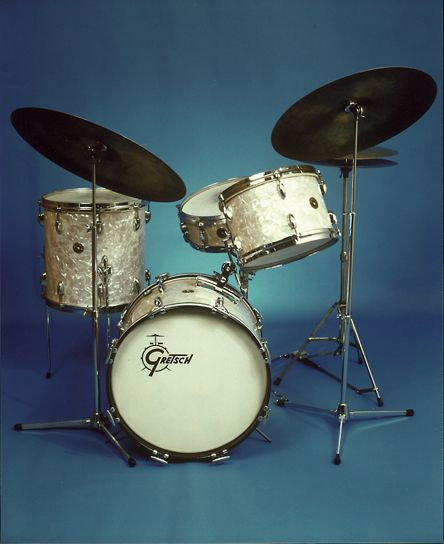 Holy Grail for Vintage Drum Enthusiasts: Gretsch Progressive Jazz outfit (round badge), circa 1955