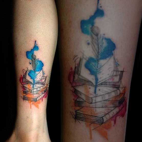 The watercolor tattoos fade away is the main topic to be discussed. Yes, although initially, this style looks dynamic and the color is brighter than usual. There we will not see sharp lines or be coloring a specific block, but mild and gentle. When newly completed work, this tattoo is very eye-catching