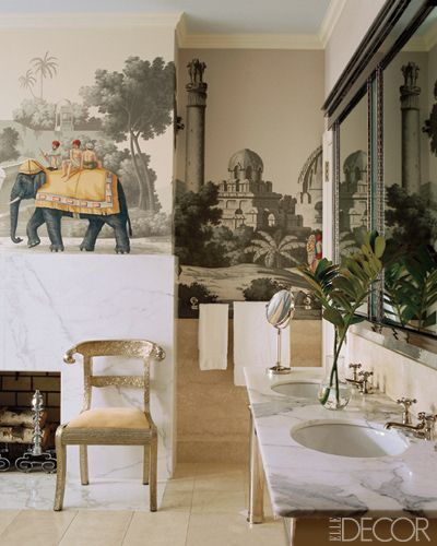 De Gournay Early View of India wallpaper in the bath. Miles Redd: