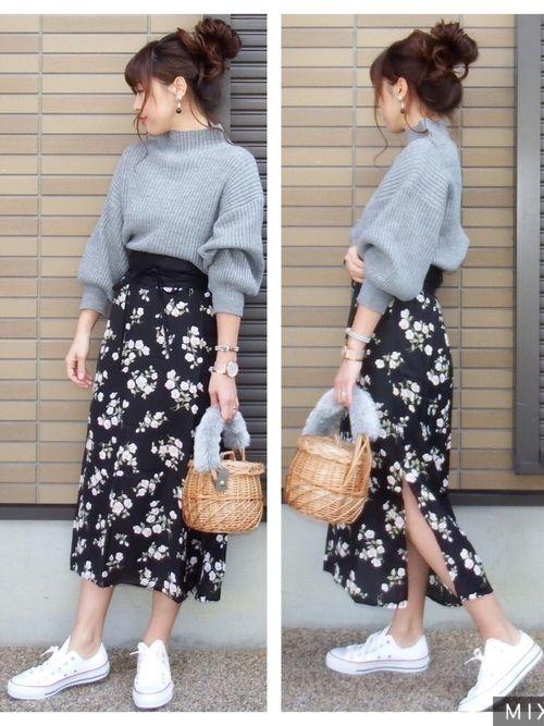 こんばんは 去年の秋に着ていたニットを春アイテムに合わせて春コーデに☺️ 花柄スカートはサイ