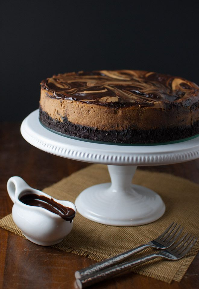 Cappuccino Marble Cheesecake with Fudge Sauce