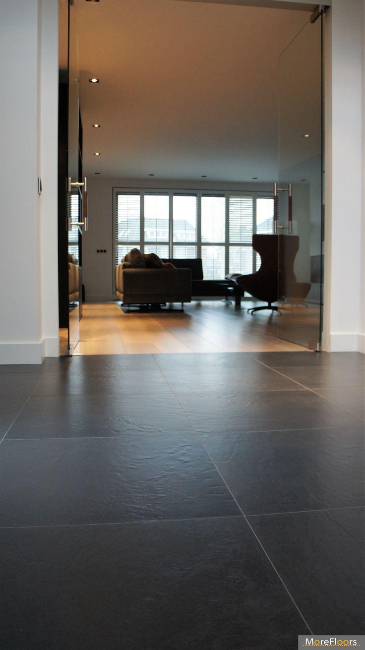 MoreFloors vloeren Breda - Europees eiken vloer machinaal geolied 22 cm breed white wash overgang tegels hout keuken rak entree gang