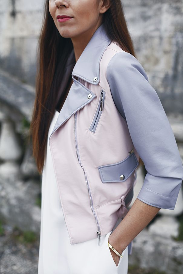 How gorgeous is this dual colour leather biker jacket? It's perfect for spring!