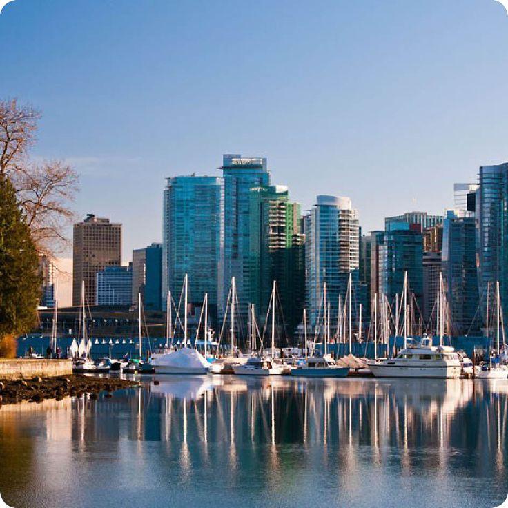 Βανκούβερ. Μια πόλη σαν Καρτ ποστάλ με καταπράσινα πάρκα, στο φόντο τεράστιοι γυάλινοι ουρανοξύστες και στο βάθος επιβλητικά βουνά με χιονισμένες κορυφές