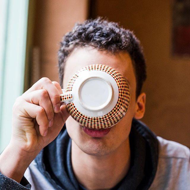 INGO  Mehr Portraits auf meiner Website http://ift.tt/2CuPhop  #portraitphotography #portrait #coffee #tee #cup #trinken #tasse #kaffee #dslrphotography #dslr #canon #photography #photooftheday #photo #picoftheday #pictureoftheday #austrianphotographer #austrianphotographers #austrianart #kunsttirol