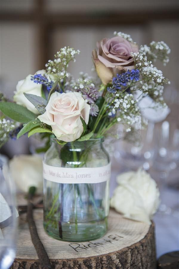 WWW readers Richard and Fiona were married in August at Cain Manor, Hampshire. They wanted their wedding to be calming and classic yet playful and personal.