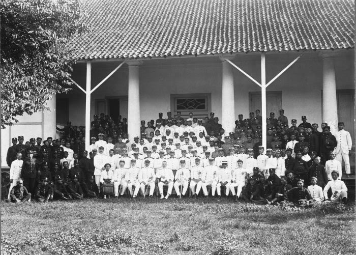 dutch indies police headquarters in soerabaja, 1917