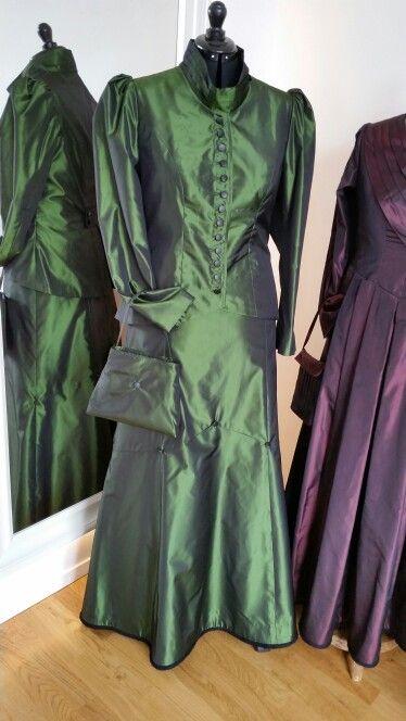 Grüne Kostümtracht
