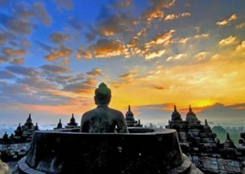 Enjoy the sunrise from the temple of Borobudur is a 'dessert' excelent of package one day trip. Detail info: 0813 1072 0446