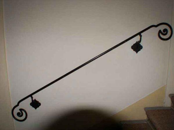 Geschmiedeter Treppenhandlauf aus Vollstahl