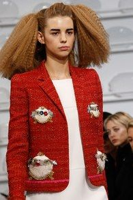 The complete Schiaparelli Spring 2016 Couture fashion show now on Vogue Runway.