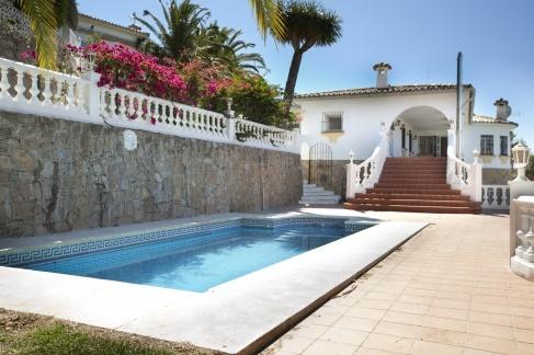 Marbella , 5 bed Villa for sale for 575,000 Euros