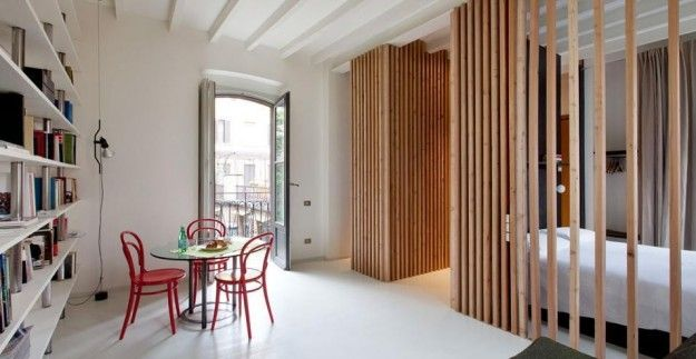 Dividere gli ambienti con stile - Arredare un appartamento di 45 mq con le pareti divisorie.