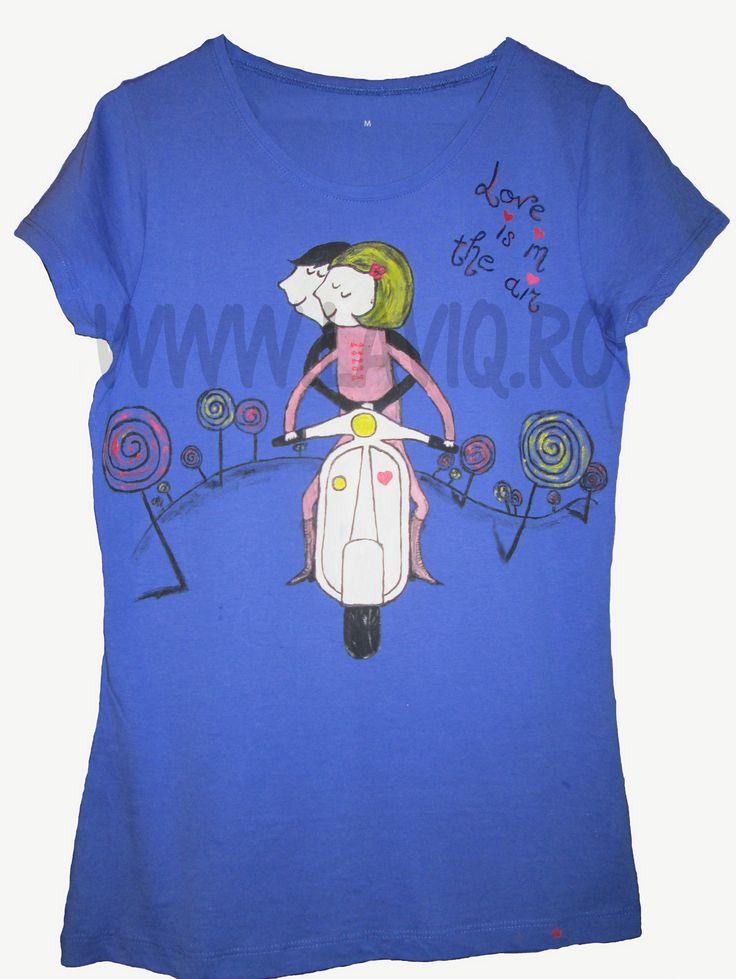 Tricou pictat Love is in the air          www.laviq.ro                 www.facebook.com/laviq