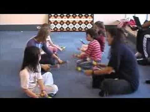 E papä Waiari - New Zealand and Maori Children's Songs - New Zealand - Mama Lisa's World: Children's Songs and Rhymes from Around the World