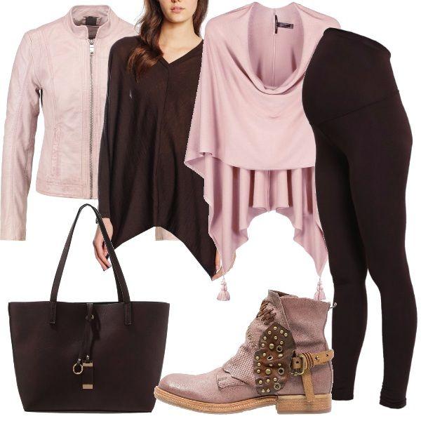 Per questo outfit: leggings marrone scuro, maglione morbido con scollo a v, giubbino in pelle rosa, mantella rosa, stivaletto rosa e nera e maxibag marrone scuro. Per una mamma rock.