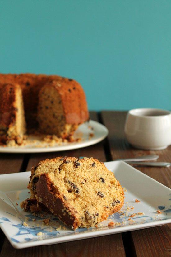 Ένα κέικ με ταχίνι, πορτοκάλι και σταγόνες σοκολάτας που σίγουραθα σας ενθουσιάσει με τηνυπέροχη γεύση του. Μια πανεύκολη, συνταγή (από εδώ) για το απόλυ