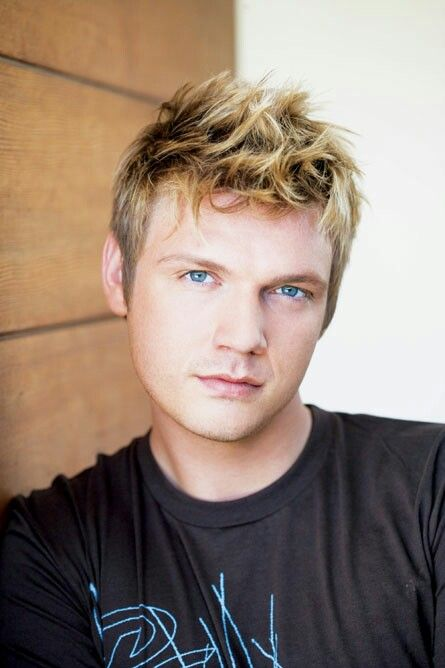 17 best images about nick carter on pinterest joey mcintyre new artists and nick carter - Blonde yeux bleu ...