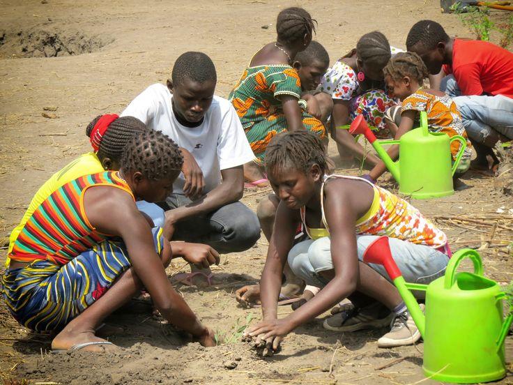 """Le """"#Green Actions"""" di HUMANA per contrastare il cambiamento climatico  Gli interventi di HUMANA in Africa, Asia e America Latina mirano a migliorare, da oltre 20 anni, le condizioni di vita delle popolazioni, tenendo conto del loro rapporto con l'ambiente."""