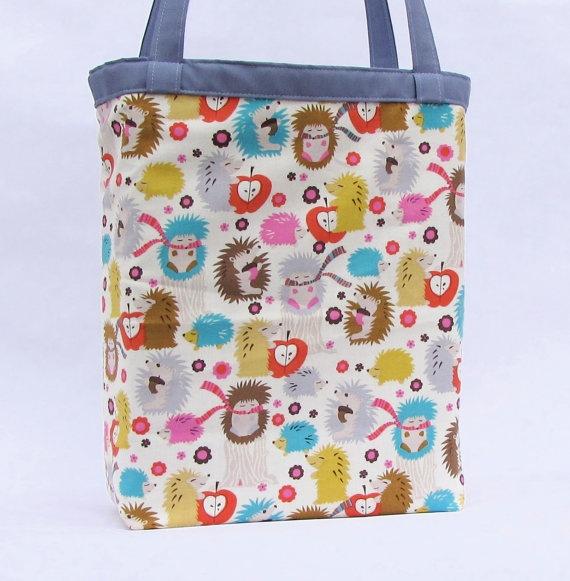 hedgehogs REVERSIBLE shoulder bag with pocket