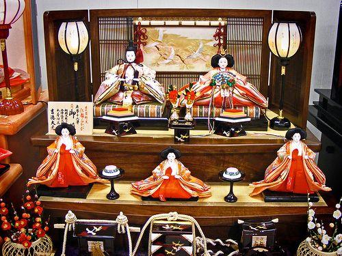 hina matsuri festival dolls