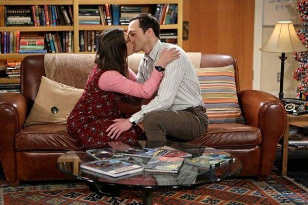 Sheldon e Amy finalmente vão dormir juntos em #TheBigBangTheory >> http://glo.bo/1MmR4fO