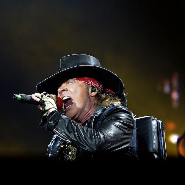 Il cantante Axl #Rose in concerto con #AC/DC a Siviglia
